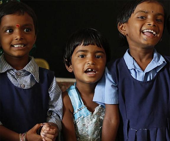 Niños escuela de la India