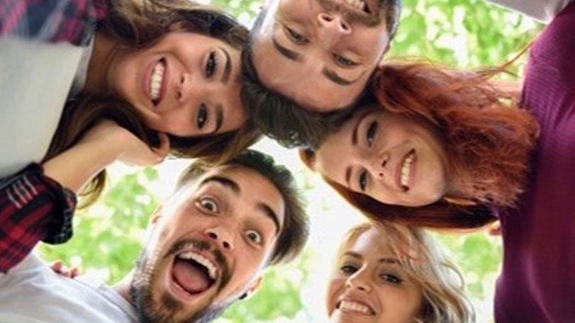 Grupo de estudiantes disfrutando de Argentina